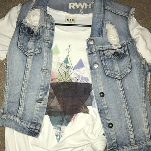 RWH (Buckle) ripped vest. Small.